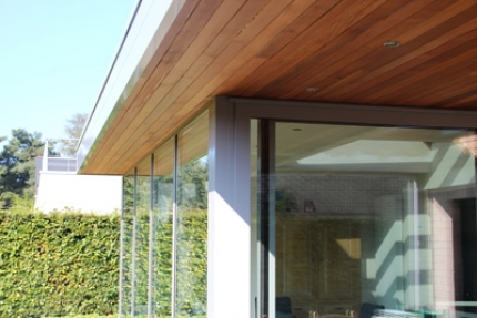 Aan de hand van de juiste verandabeglazing houd je de temperatuur in je veranda altijd op de gewenste hoogte.