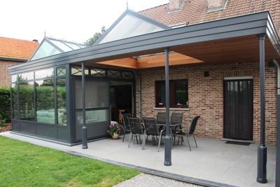 Een moderne pergola terrasoverkapping aan je huis - Aluminium pergola met schuifdeksel ...